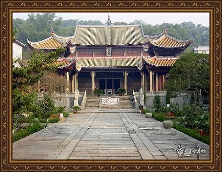 江南第一文庙——浏阳文庙,坐落在浏阳一中校堂园中,进入