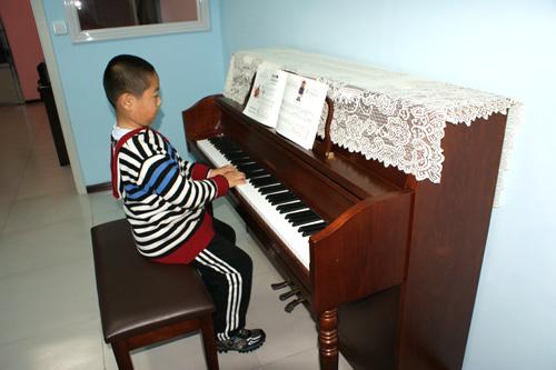 儿童钢琴班