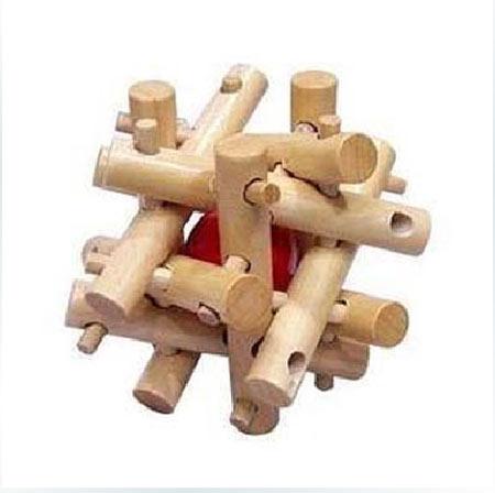 孔明锁,相传是三国时期诸葛孔明根据八卦玄学的原理