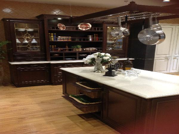 实木整体厨房图片