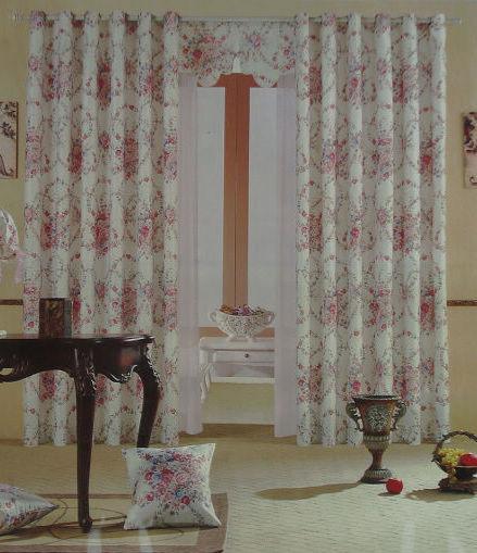 客厅明亮小窗帘