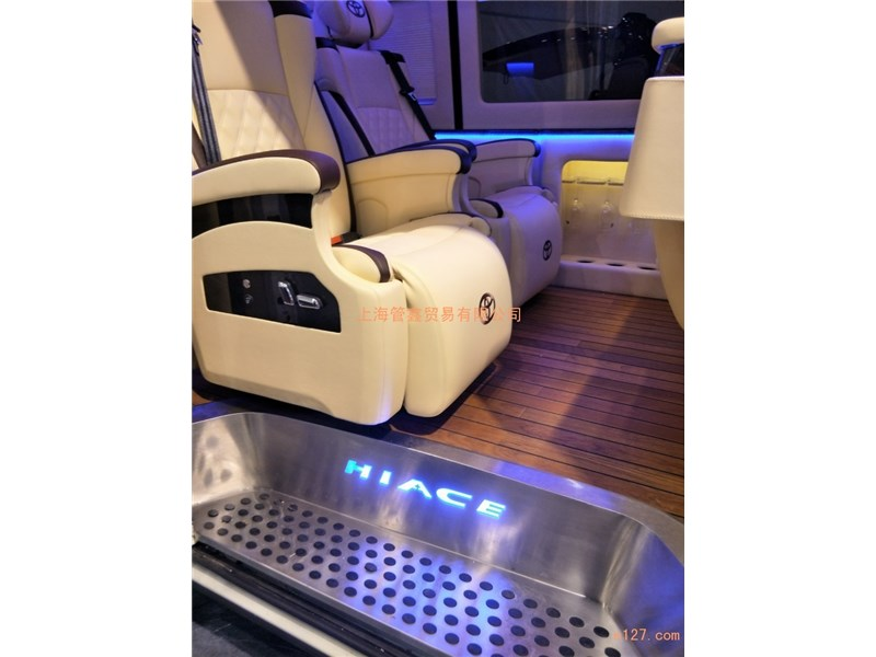 上海汽车内饰改装商务车木地板航空座椅改装订制