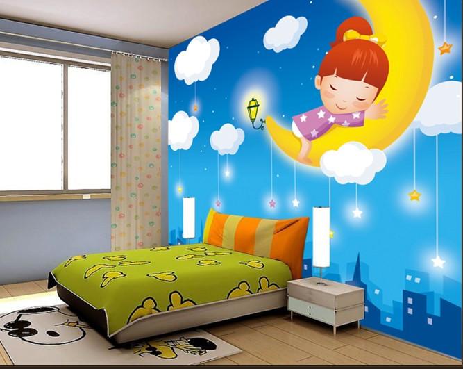 如今墙体彩绘已经越来越受到很多家庭的青睐,它具备壁纸、液体壁纸无法媲美的独特艺术性、鉴赏性。那么它具备哪些优势呢?下面我为大家解析! 一、独特的艺术魅力。墙体彩绘独有的艺术魅力是壁纸无法媲美的,壁纸具有图案重复、单调、壁纸间有接缝的硬伤。墙体彩绘完全抛弃了传统挂画形式,直接由职业画师在墙壁上创作,不拘泥于形式、可以天马行空、不限画风、主张最自我个性的张扬!  二、真实的视觉存在。墙体彩绘不是印刷品,是实实在在的艺术创作,画面色彩鲜艳、响亮、质感真实,具备印刷品所不具备的视觉冲击力! 三、持久的抗旧能力 。