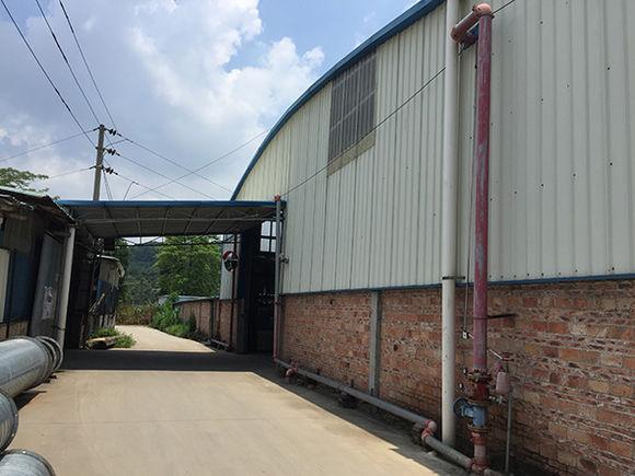 由于排架体系的房屋刚度小,重心高,需承受动荷载,因此需要安装柱间斜