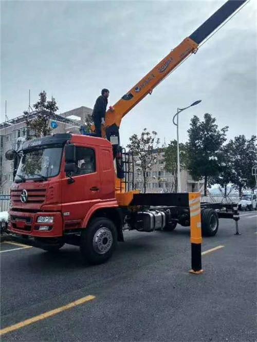 六安随车吊转让——12吨随车吊价格新车