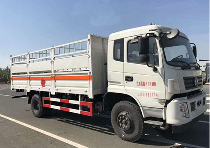 广西东风天锦钢气瓶运输车配置