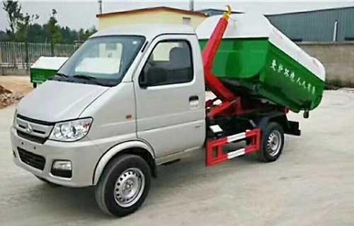 广西长安垃圾车厂家