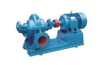 二,结构图: 本型泵的吸入口与吐出口均在水泵轴心线下方,水平方向与