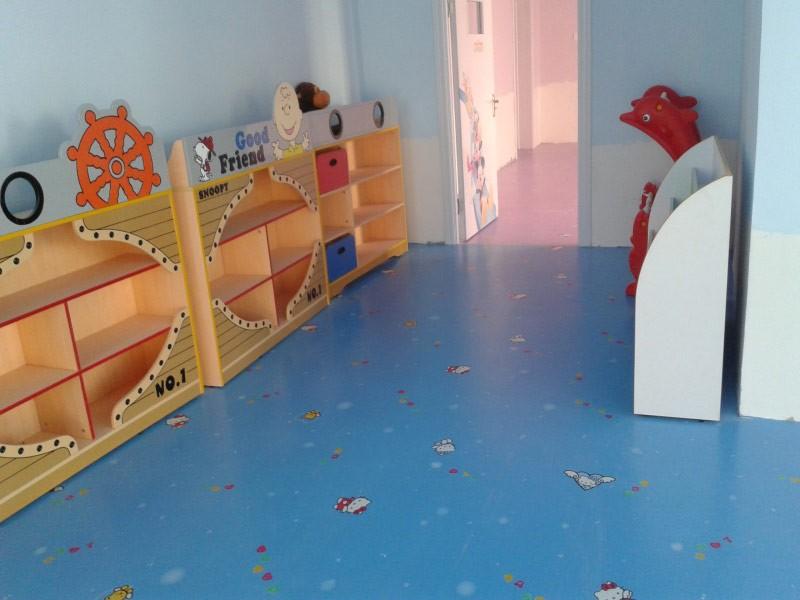 幼儿园室内卡通地板二