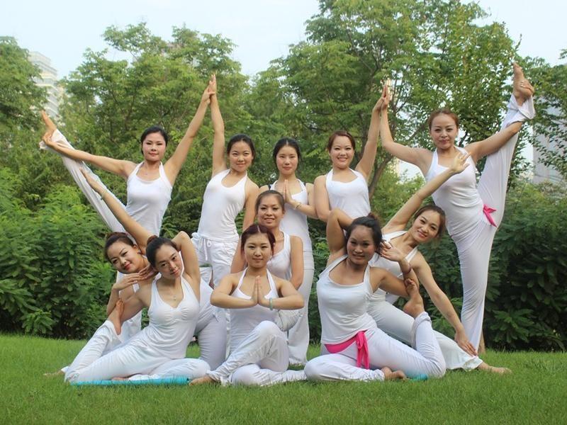 舞蹈学校_郑州舞蹈培训 舞蹈视频 鑫舞国际舞蹈培训学校 户外瑜伽