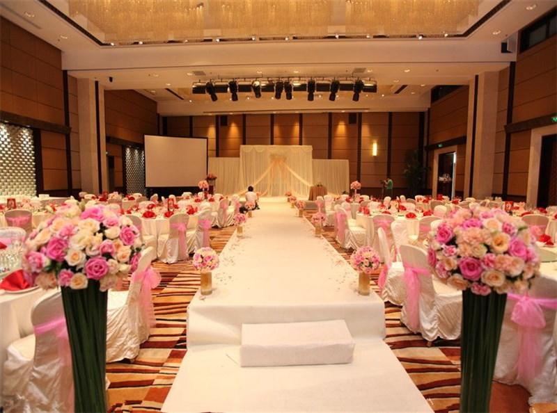 婚礼定制策划 婚礼顾问咨询 婚礼宴会设计 婚礼主持 婚礼督导 婚礼