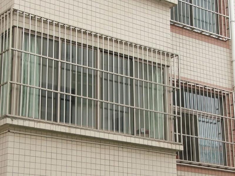 防护栏_万源厕所门安装维修_万源塑钢门窗厂_不锈钢_.