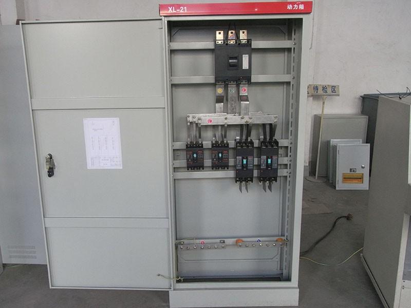 厂房动力配电箱接线实物图