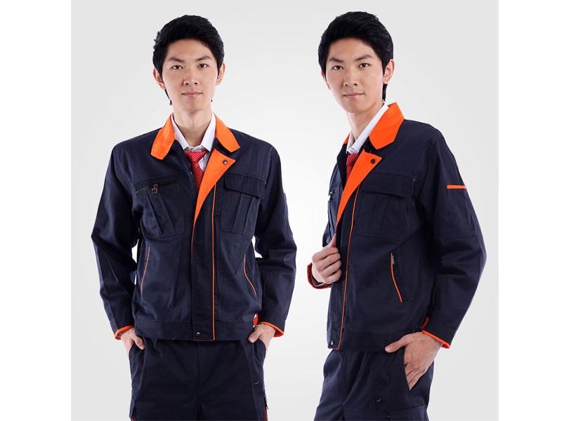 设计独特,用料精良,板型新颖,做工精细的服装,受到了普遍的好评.